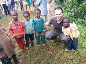 12 - Kids in Aramo